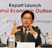 AMROの許和意チーフエコノミスト。アジア経済の展望を語った=3日、首都圏パシッグ市(NNA撮影)