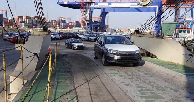 左 車 開始 インド の ハンドル ホンダ 輸出